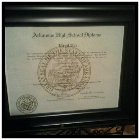 GOT MY HIGH SCHOOL DIPLOMA AND TODAY IS GRADUATION..WANTING TO LEARN DON'T MAKE U WEAK, IT MAKES U STRONG.. 10X100 http://t.co/8VMPGjJD