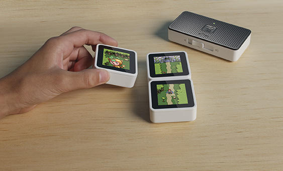 Heard the news? #Sifteo is proud to announce the NEW Sifteo Cubes! Going to #PAX to let you try it http://t.co/37NKNLQb http://t.co/CgeICl3p