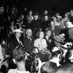 Senator Harry S. Truman and his family at the 1944 Democratic National Convention in Chicago: http://t.co/K3JuoulX |