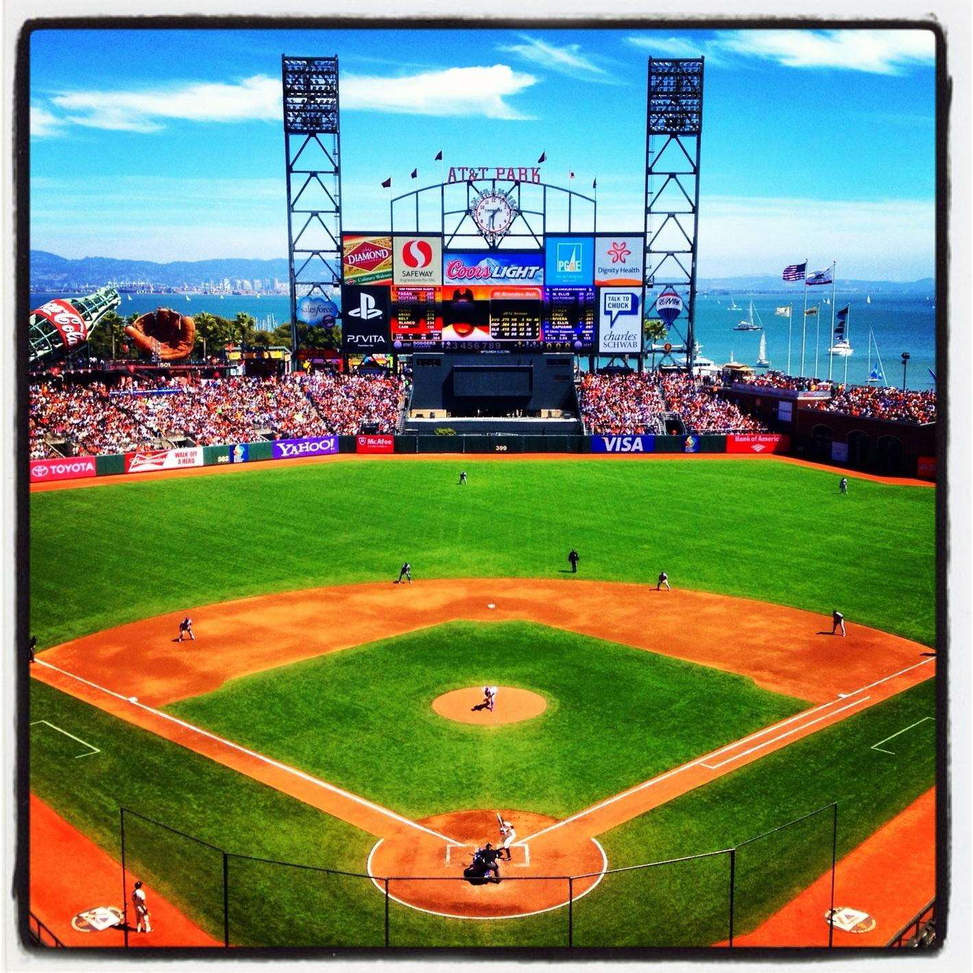 Photo of S.F. Giants ballpark with Twitter post about baseball heaven