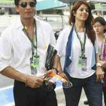 found ths pic with @iamsrk . Ths was the malaysian grand prix, the eternal charmer n chivallary personified..