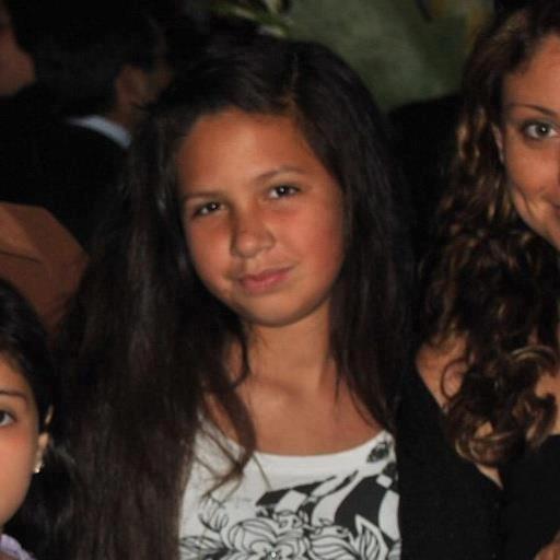 Esta jovencita llamada Karla se encuentra desaparecida en #Iquique #AltoHospicio avisar @PDI_CHILE y @Carabdechile RT http://t.co/sETRink2