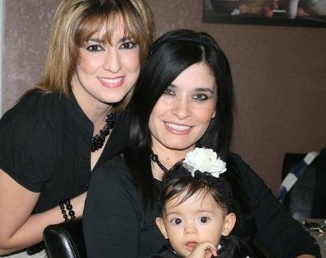 RT @TeressaMendozaa: Angela Vega esposa de Heriberto Lazcano #ElLazca y Maribel Diaz Ex pareja de Treviño Morales el #Z40 y su hija Ange ...