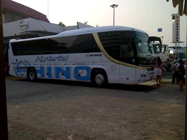 Hino Bus Selega Hybrid Premium only at @IIMS_2012 20-30 Sep 2012 Jiexpo Kemayoran Hall Outdoor OD2 cc:@BismaniaOrg http://t.co/AQf25LQe