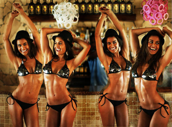 Hands up if you are looking forward to Summer. With @SHASHINAIDOO http://t.co/qvgts909