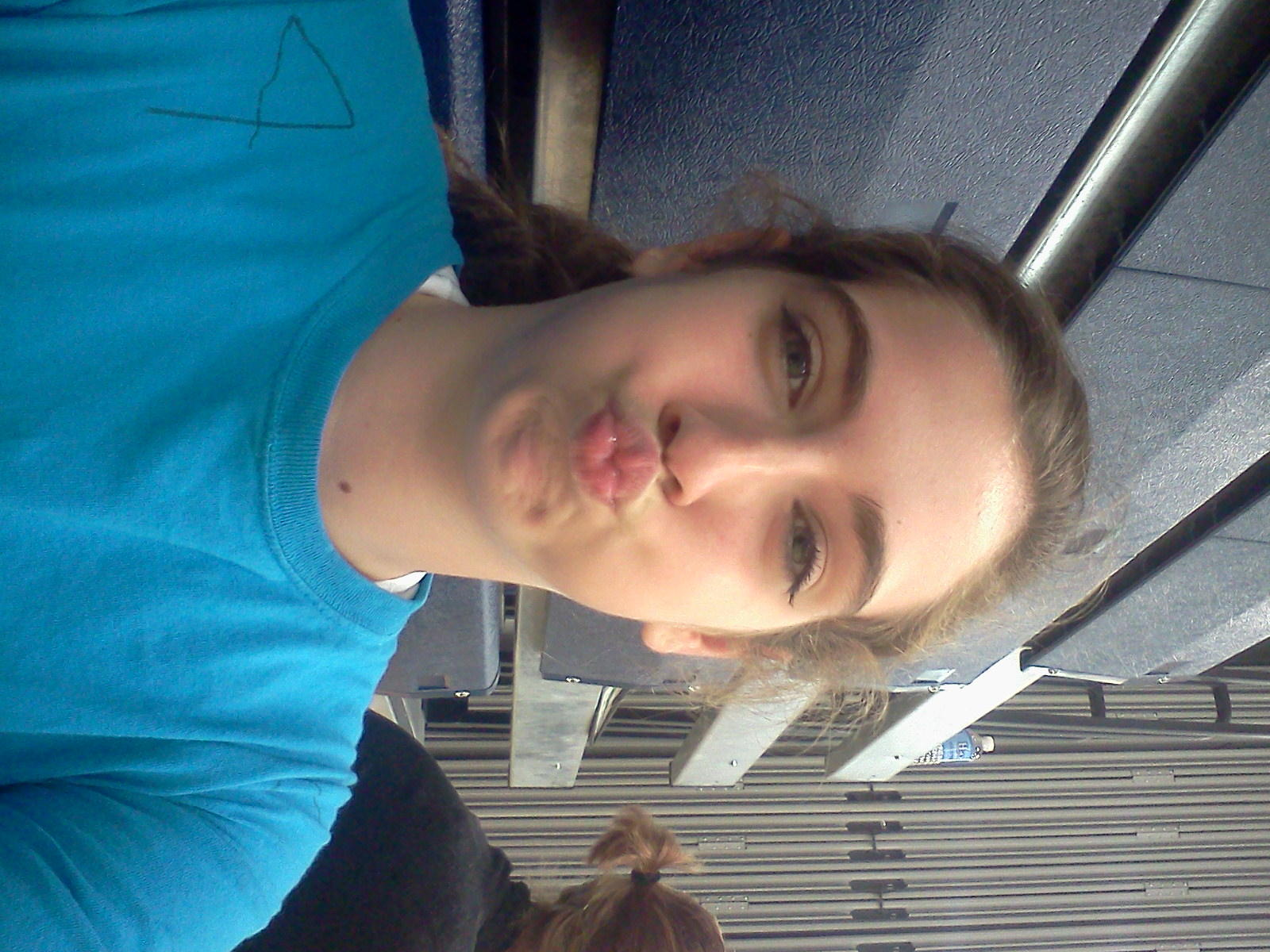 @haleycoburn64 takes beautiful selfies(; then sets them as my screensaver #loveher http://t.co/pZYy9Gi0