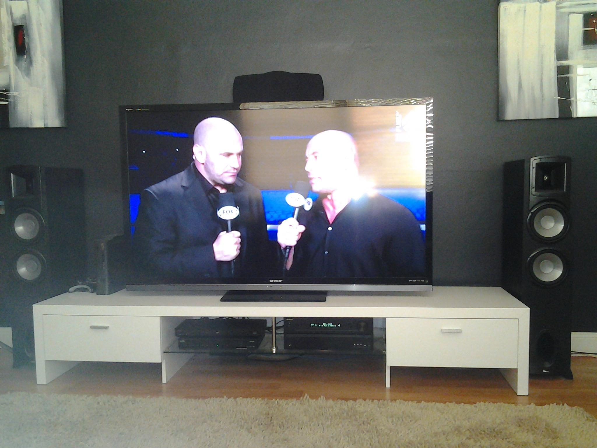 RT @wombatknackers: Rockin the #ufc152 thru the mighty klipsch speakers....@KlipschAudio http://t.co/xVnNTQqF