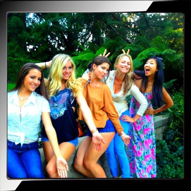 RT @marketajanska: Movie Nite #PlayboyMansion #TheMaster w @amandacerny @hiromioshima @NikkiLeighxo @ShelbyChesnes