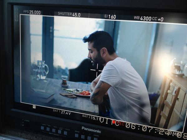 Tan Gazetesi (@TanGazetesi): #sevda video çekimi son hızla devam ediyor @TanTasci http://t.co/MtY6CENW