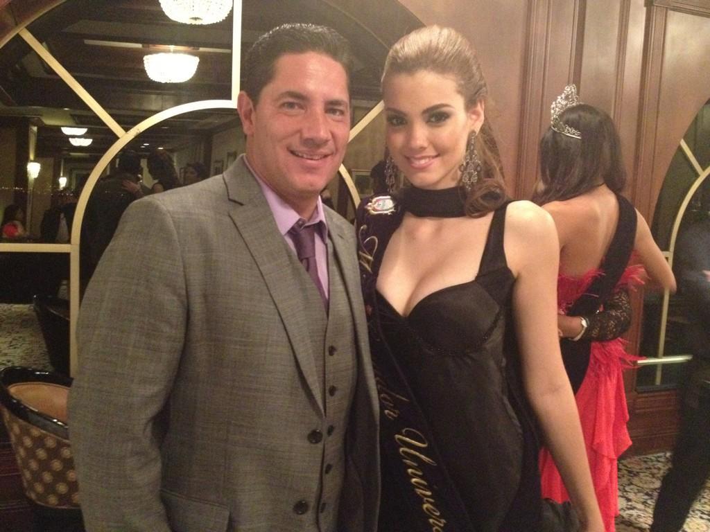 Miss Ecuador 2012 | Carolina Aguirre | Official Thread | - Page 2 A4Awup9CAAAd_uh