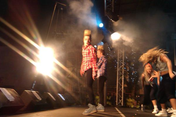 Paul Clark (@PaulClark_UTV): Jedward are live on stage in Newry right now http://t.co/lr6DJurS