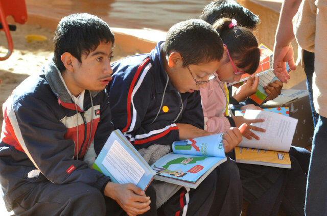El libro Niños y Niñas por un México sin Obesidad fue hecho pensando en escolares de 6 a 12 años de edad. http://t.co/tnKeJozx