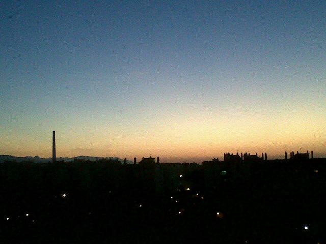 Buenos días, a por una nueva semana... http://t.co/EAAyez72