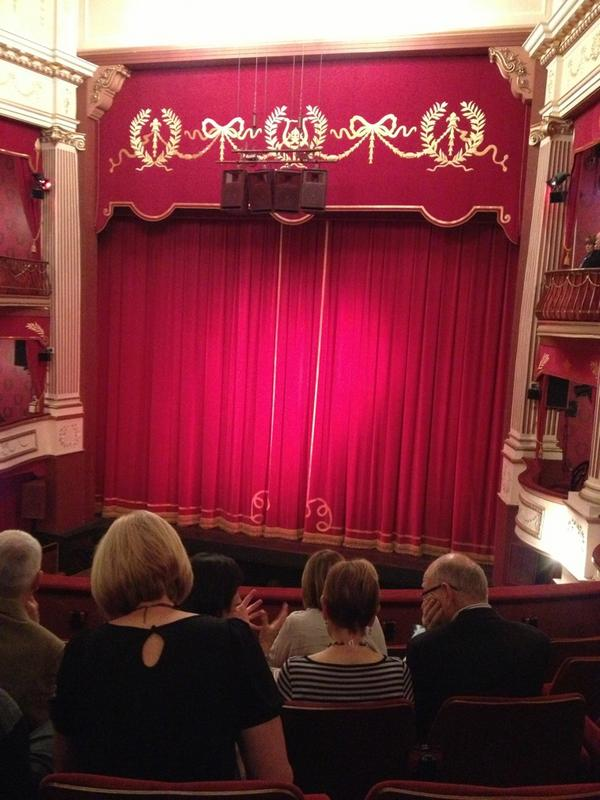Paul C (@channp): Ready and waiting for The Mousetrap to begin! http://t.co/mIwOUkGe