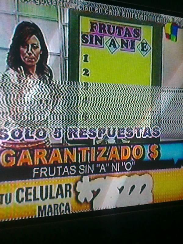 Ponete de acuerdo hermana. Frutas sin A ni E o frutas sin A ni O.  Putos! http://t.co/x2PBhoHr