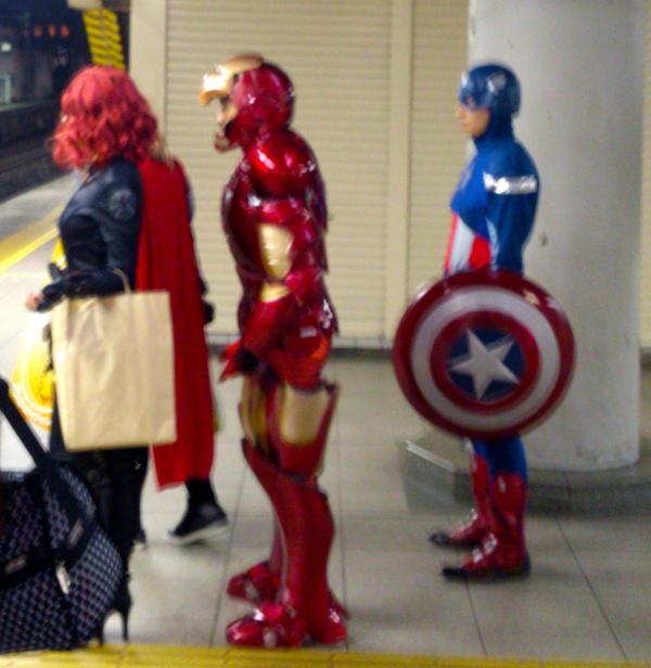 品川駅で山手線待ちのアベンジャーズ  zephel01