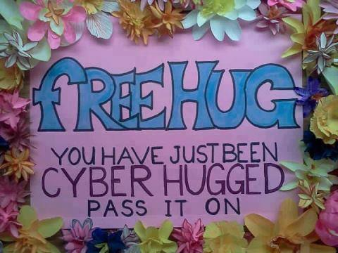 FREE HUGS ALL AROUND !!! http://t.co/3ujMRgcD
