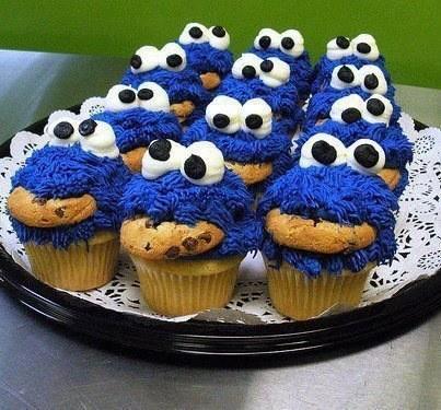 RT @IZGW: #ikzougraagwillen deze cupcakes opeten ! http://t.co/iEAeeo5D