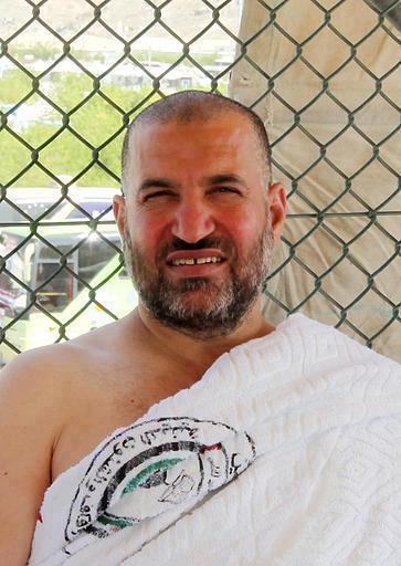 آخر صورة تم التقاطها للشهيد القائد الجعبري قبل أيام (يوم عرفة) وذلك أثناء تأديته مناسك الحج هذا العام #احمد_الجعبري http://t.co/EqMNyEXx