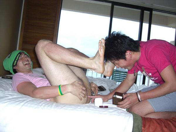 【裸】ノンケのバカ騒ぎ写真101【露出】 [無断転載禁止]©bbspink.comYouTube動画>9本 ->画像>2119枚