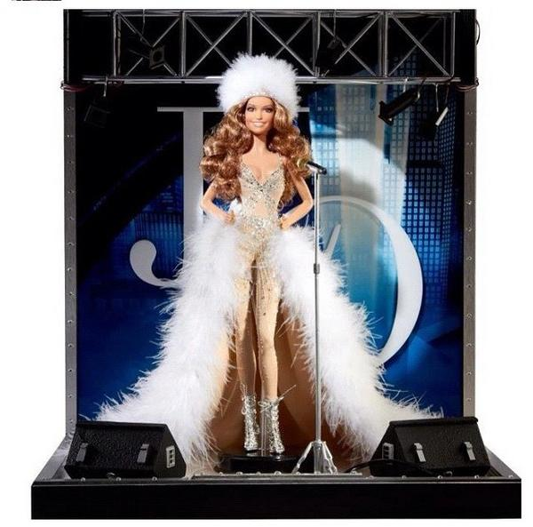 Who wants one?? @JLo #DanceAgainWorldTour Barbie Doll!!! #BEAUTIFUL!!! http://t.co/9ldPheF1