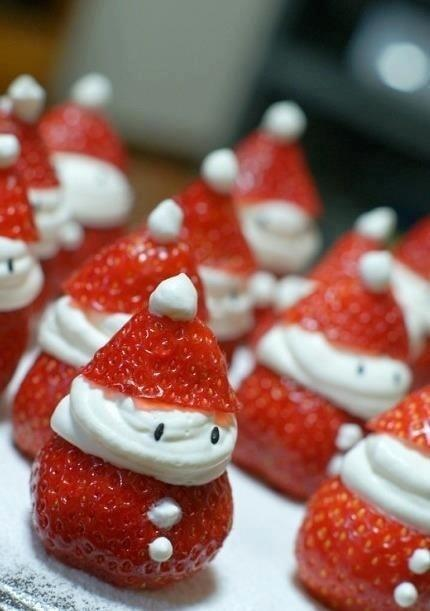 These Strawberry Santas Look Delicious http://t.co/t9NTzwIy