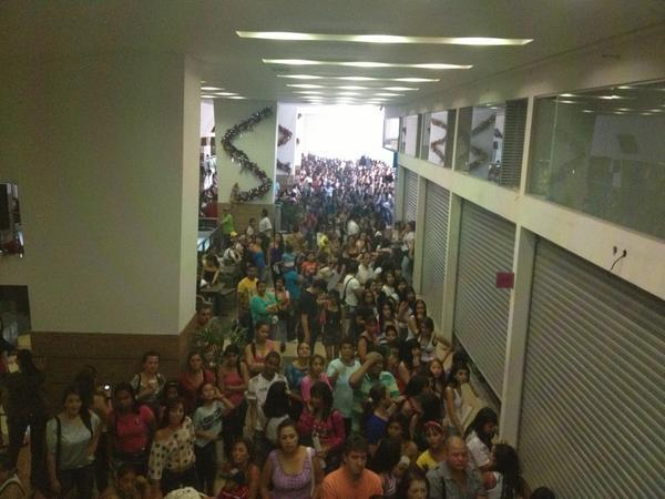 Juan Parra (@MANAGERMALUMA): Un poquito lleno apenas @MALUMACOLOMBIA @granplazacc jajajajaja http://t.co/AQWpqdRp