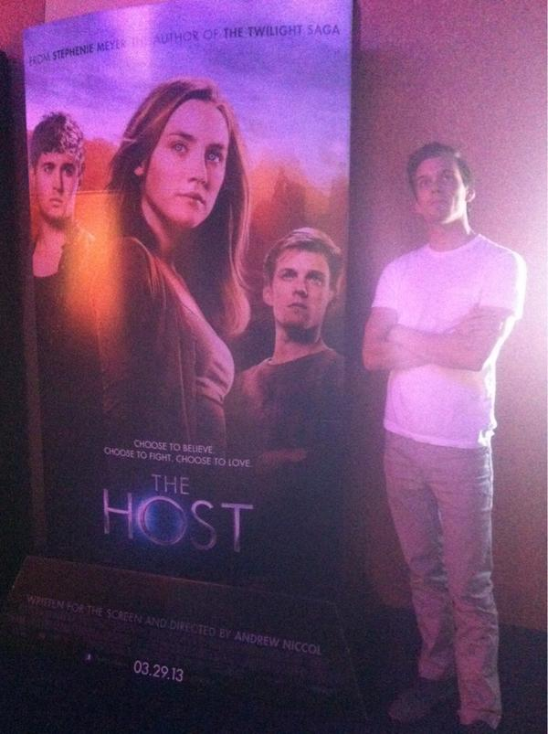 Jake Abel (@MrJakeAbel): I'll start:  #TheHostPosterImpression http://t.co/fPTqdvLB
