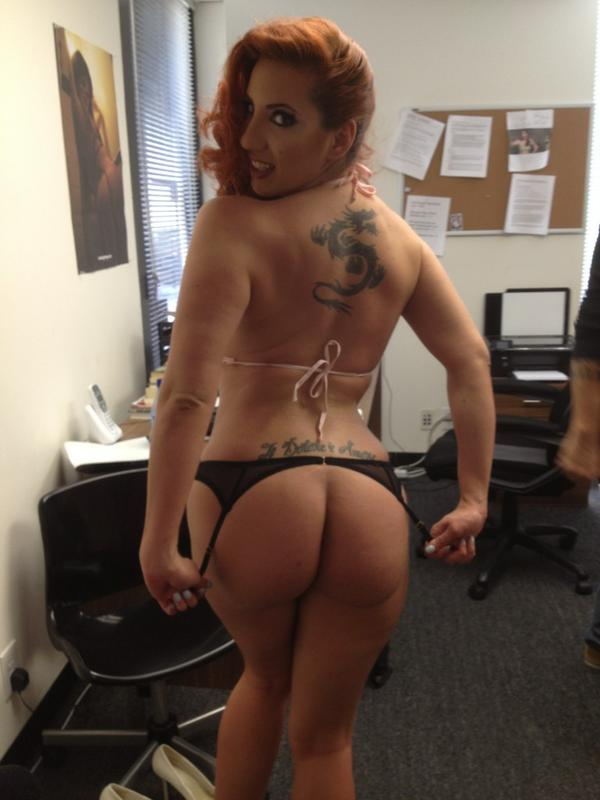EvilAngelVideo (@EvilAngelVideo): Wardrobe! @KellyDivine flashing that ass behind the scenes at Evil promo shoot. Outfits by @BaciKiss http://t.co/TjCs0NRP