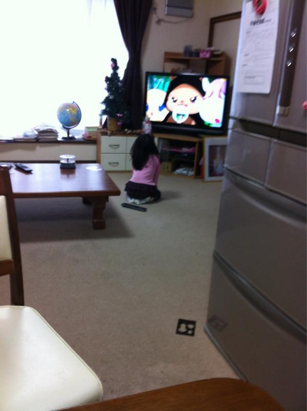 """可愛い過ぎるー(〃ω〃)"""": おーい!正座してジュエルペット見てないで!幼稚園行くんですけどーw """""""