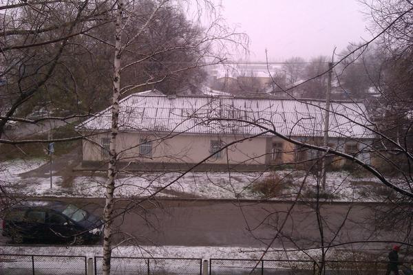 Kirill (@KirillCOOL): Снег идет, пую мать! http://t.co/U2q3MlJ3