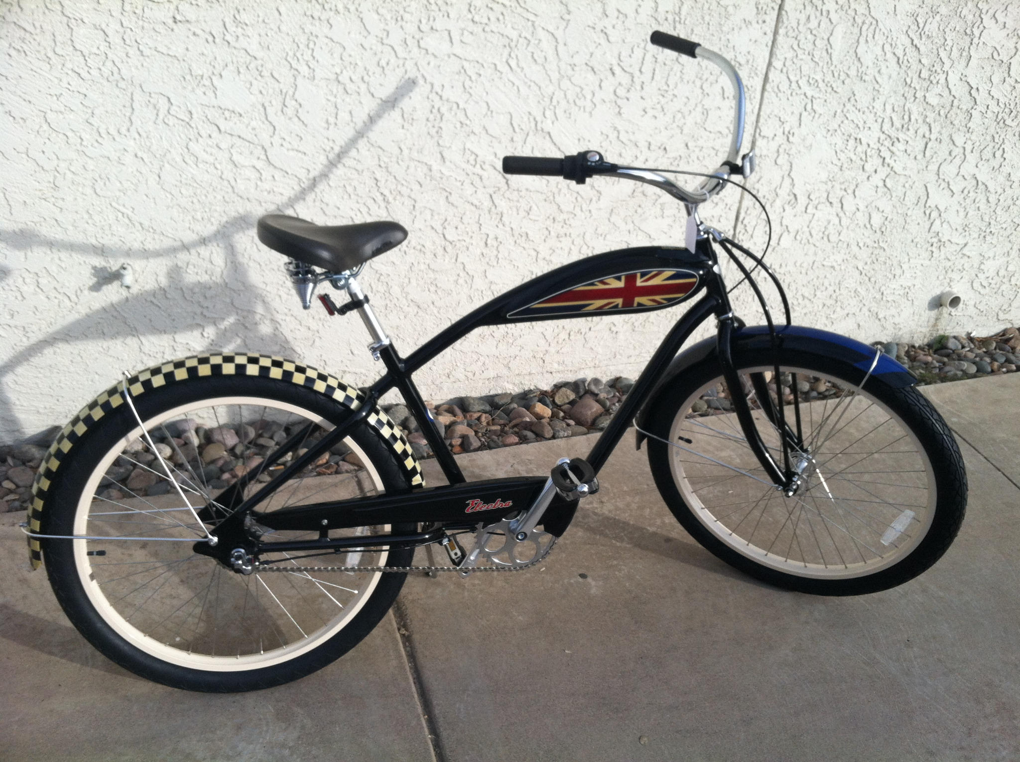 """Thanks 4 the support! MT@LandisCyclery1 Bike of the Week! Electra Mod 3i. Cruisin' in style is a must with this ride! http://t.co/wpJrZK9S"""""""