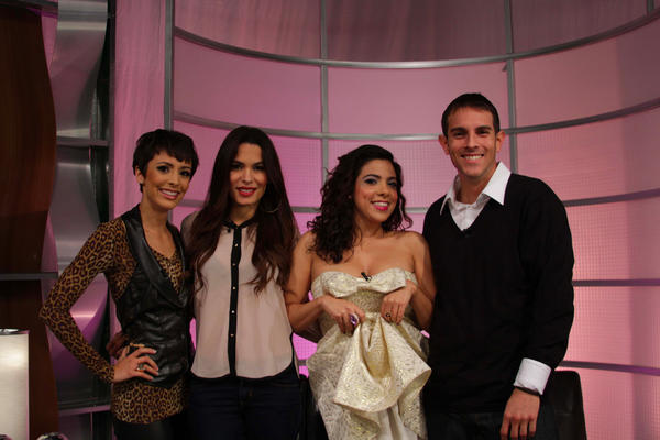 LatiNation (@LatiNationTV): @nadinevelazquez @LaCoacha on the set of @LatiNationTV! Thanks for visiting! http://t.co/9eFigJVY