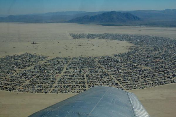 Ed Gutman (@eddie): Amazing view of the playa during #burningman (via James B.) http://t.co/RETMqp5