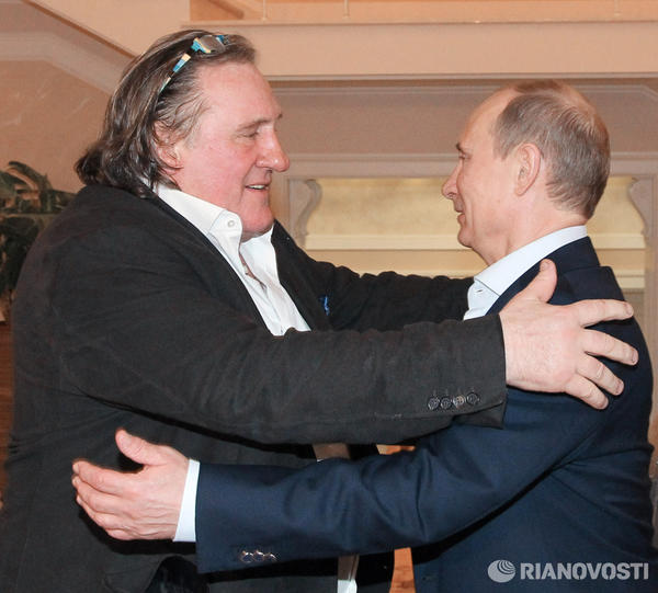 Depardieu looks like he's eyeing up his next meal: RT @niktwit http://t.co/Fc0ocDiK #Depardieu