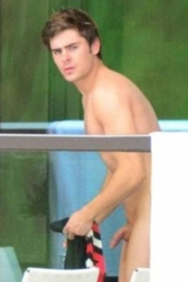 Zac Efron Shows His Penis 66
