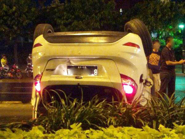 Jangan mengemudikan kendaraan dlm kondisi mabuk atau terpengaruh minuman keras/Narkoba, krn rawan kecelakaan. https://t.co/GF0HoKab4Z