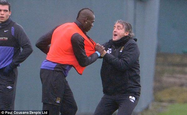A sGISzCcAAed6y In Pictures: Mario Balotelli gets into a ruck with Roberto Mancini at Citys training ground