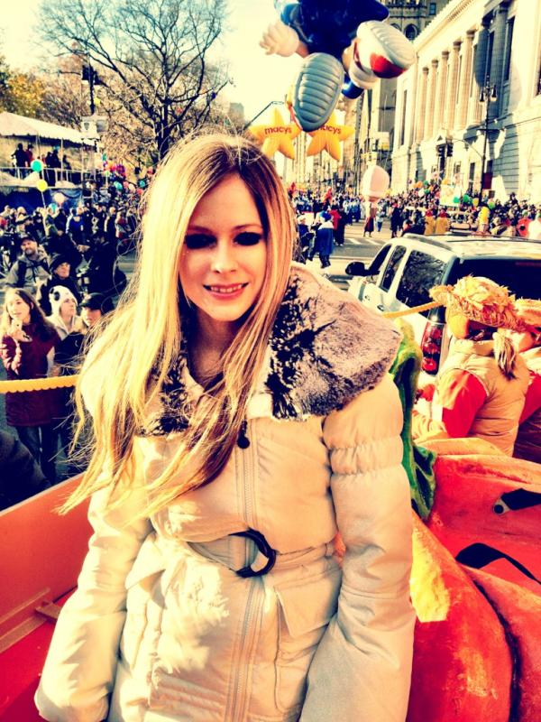 "Just boarded the float. Performing ""Wish You Were Here"" at The Macy's Thanksgiving Day Parade w/ @JimmyMcGorman http://t.co/NoQy7BBj"