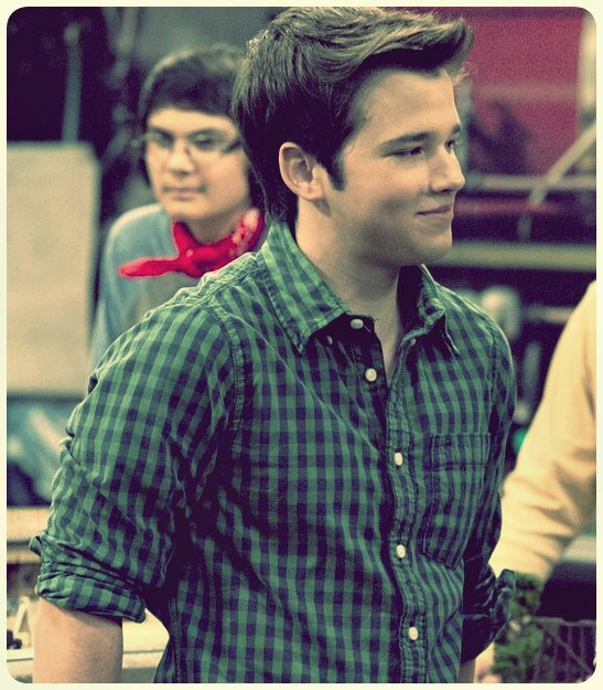OMG ! I really love your smile...  Nathan Kress,my angel.   @nathankress http://t.co/e8P0FzfW