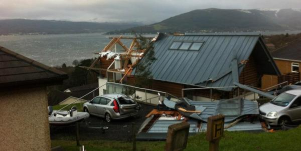 Grand Designs house in Argyll destroyed by this crazy weather - thankfully nobody hurt (via BBC News) http://t.co/DuOf4cri