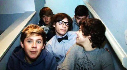 RT @LiamP_DINOSAURS: WHO REMEMBERS THESE DAYS OF 1D! I BET ONLY ONE PERSON WILL RT THIS. http://t.co/1Xx1nVy1