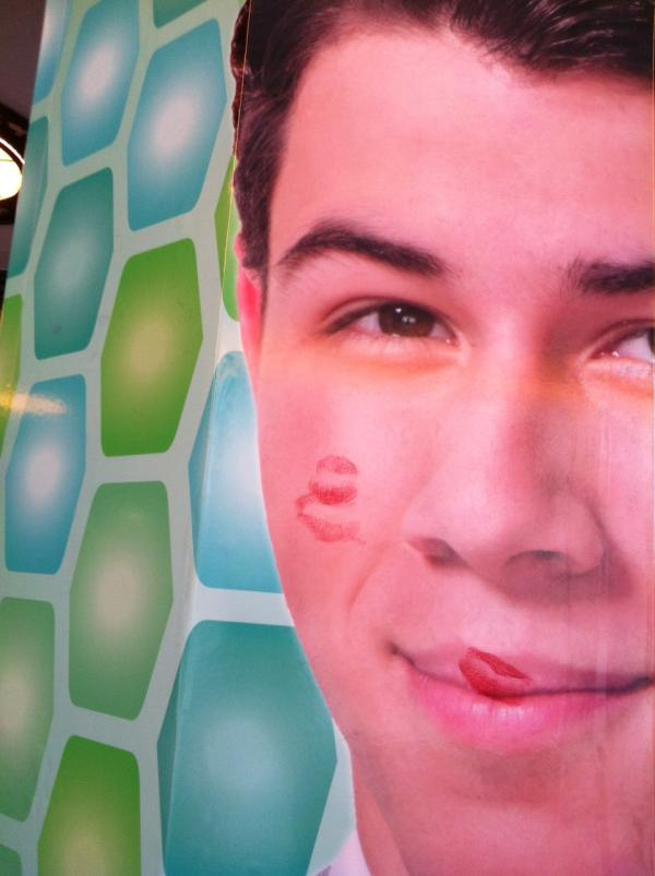 Some of our @nickjonas fans are showing their love outside the theatre! http://t.co/ribqDBXr