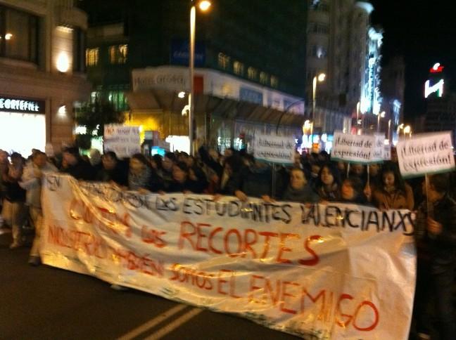 RT @CarmelaRios: Gran Vᅢᆳa. Cabecera #valencia http://t.co/PjjOxP6u
