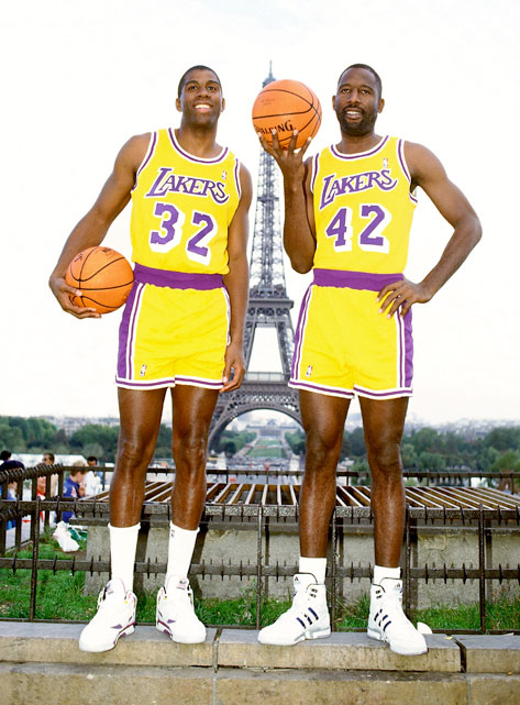 James Worthy is 51 today. Rumor has it he'll celebrate with another romantic Paris vacation with Magic Johnson: http://t.co/oIEupF7W