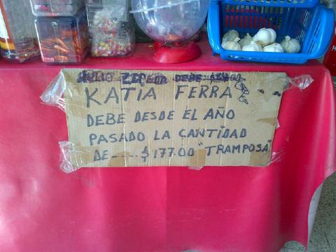 RT @iauraB: Katia Ferras es TT Mundial jajajajajja Maldita deudora!!  $177 pesos te hicieron famosa mundialmente! http://t.co/N0ZewM8w