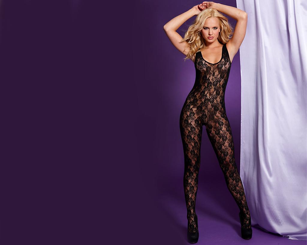 Elisandra Tomacheski, brazilian model looks sexy and confident in body stockings - http://t.co/zBsT8Sxx