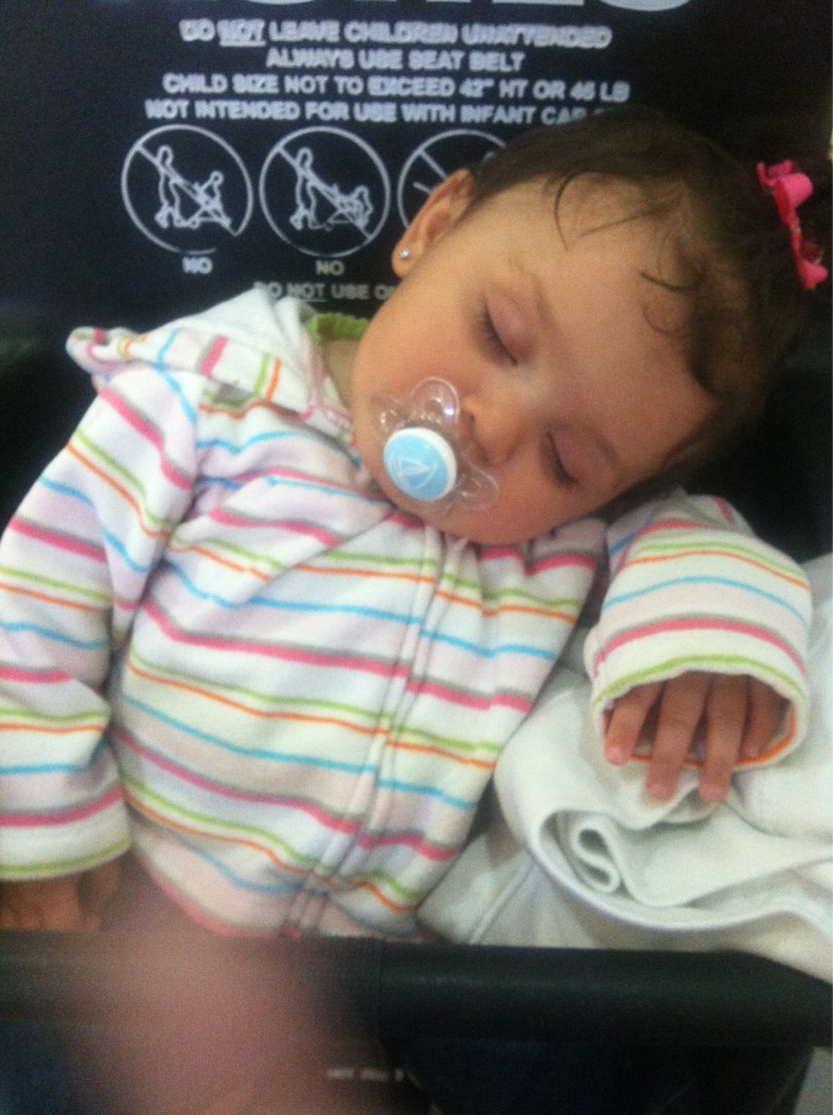 Pooped from shopping #zZzZz http://t.co/DzlndPH5