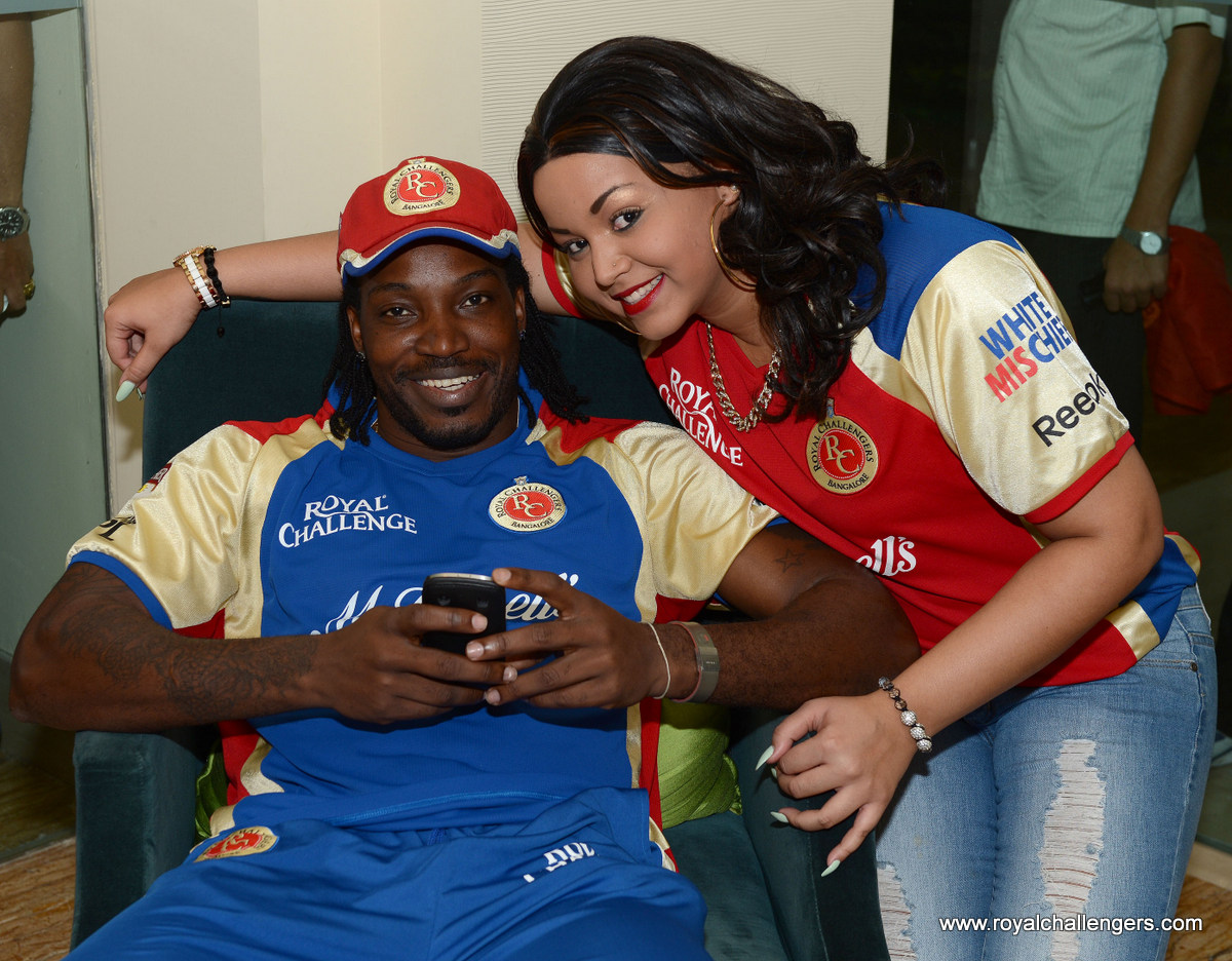 Chris Gayle with his girlfriend  Natasha Berridge at Murali's Birthday Bash :) http://t.co/BP82u1DR