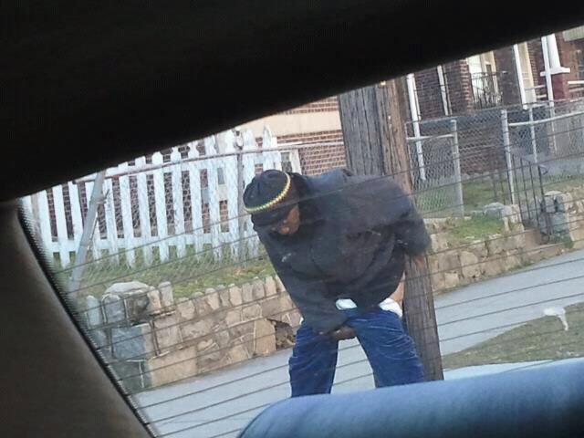 RT @FLEECEBOONDOCKS: #OnlyInTheHood will you find someone taking a Shit in public http://t.co/BCzoY1fe